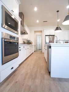 De Young Properties -  Residence 230 De Young Properties Residence 230