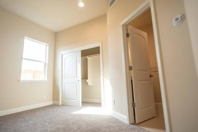 De Young Properties -  De Young Properties Residence 320